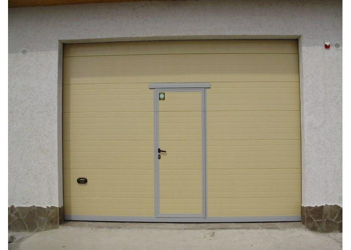 ворота на гараж рольставни с дверью